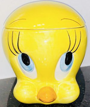Vintage 2000 Tweety Bird Cookie Jar Canister for Sale in Chandler, AZ