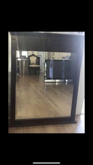 Brown Dresser Mirror. Pick up in Pasadena. for Sale in Pasadena, CA