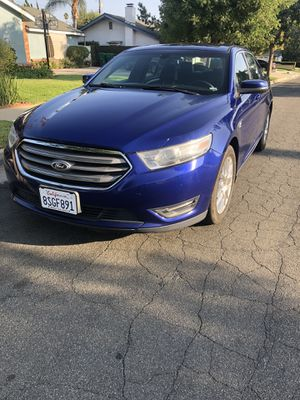 2013 FORD TAURUS for Sale in Pomona, CA