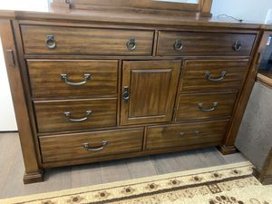 Dresser with Mirror for Sale in Corona, CA