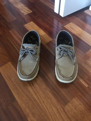 Island Surf shoes SIZE 6y for Sale in Lanham, MD