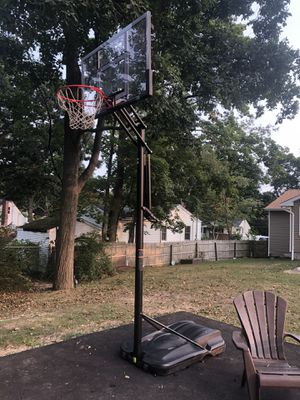 Portable basketball hoop for Sale in Commack, NY