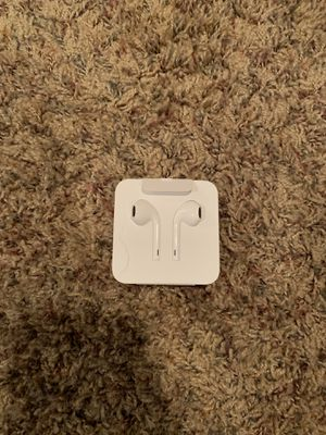 Apple Earbuds WITH THE WIRE for Sale in Tampa, FL