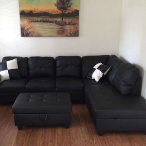 Black Modern Sectional for Sale in Issaquah, WA