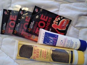 Burt's bees lotion foot care pack including Avon foot works foot warming packs for Sale in Minneapolis, MN