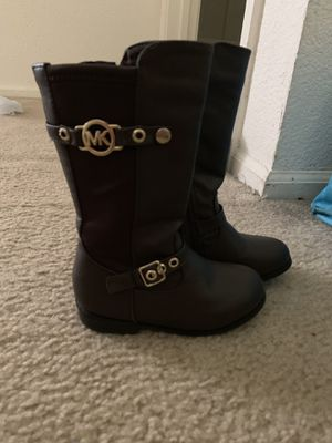 Little girl Michael kors boots size 7 for Sale in Imperial, MO