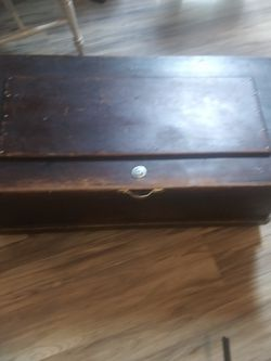 Antique Chest for Sale in Eatonville,  WA