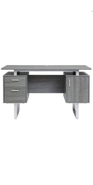 Modern desk for Sale in Tulare, CA
