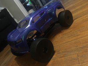 1/8 electric rc car for Sale in Meriden, CT