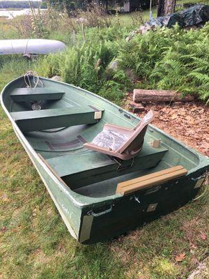 Boat,12' Aluminum v hull fishing boat for Sale in Haddonfield, NJ