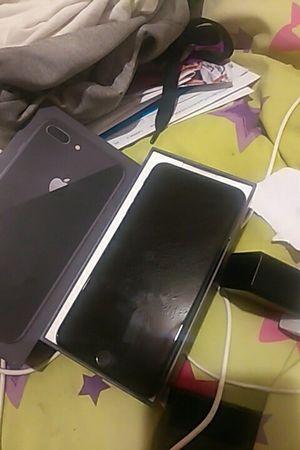iPhone 8pluse 64gb for Sale in Lynchburg, VA