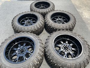 37x13.5x22 JEEP WHEELS TIRES 5 WHEELS ANS TIRES for Sale in North Miami Beach, FL