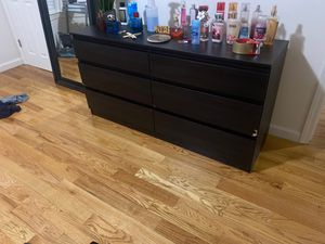 Bedroom Dresser and night tables for Sale in Englewood, NJ
