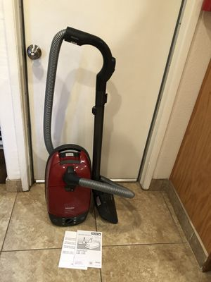 Miele S514i Mango Red Canister Vacuum with Powerbrush head and Telescopic Wand for Sale in Milpitas, CA