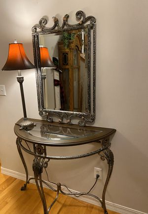 Glass Entry Table **PENDING SALE** for Sale in Lake Stevens, WA