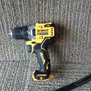 Dewalt 12 V drill for Sale in Columbus, OH
