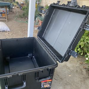 IM 3075 Case for Sale in Perris, CA