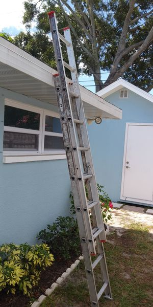 Werner Aluminum Extension Ladder 16 Foot for Sale in Clearwater, FL