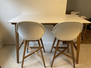 Bar Table and Chairs for Sale in San Mateo, CA