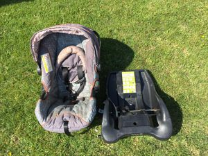 Safety 1st Infant Car Seat and Base for Sale in Clearfield, UT
