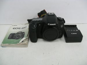 Canon EOS 60D 18.0MP Digital SLR Camera Black Body Only for Sale in Los Angeles, CA