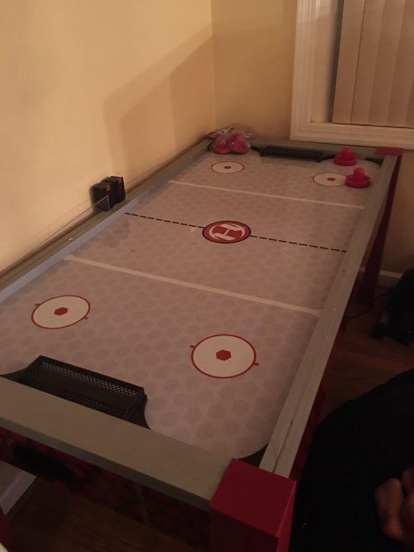 Harvard Hockey Table