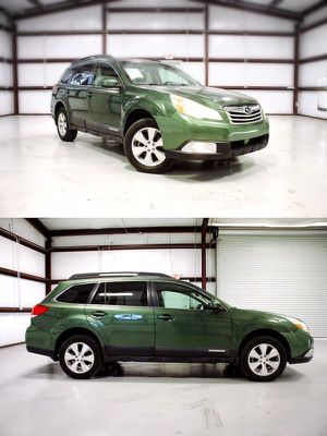 2010 Subaru Outback Ltd Pwr Moon (Great Condition) for Sale in Houston, TX