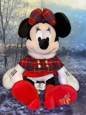 """Limited edition Disney Store 2013 Minnie mouse red plaid Plush approximately 18"""". for Sale in Bellflower, CA"""