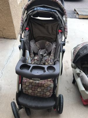 Graco stroller/ car seat / with base for Sale in Phoenix, AZ