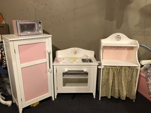 Play Pottery Barn Farmhouse Kitchen & Microwave EUC for Sale in Cranston, RI