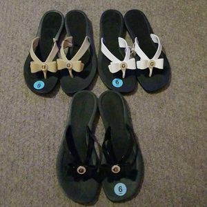 3 pairs of Guess sandals for Sale in Elk Grove, CA