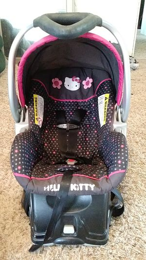 Hello kitty infent car seat for Sale in Palermo, CA