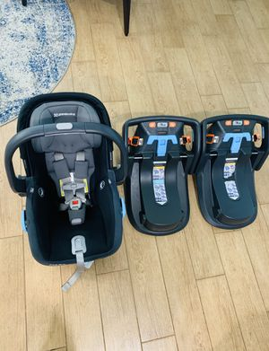 UppaBaby Mesa Car Sear with 2 Bases for Sale in St. Petersburg, FL