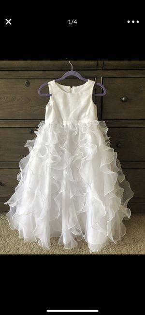 David's Bridal Flower Girl Dress. Size 4 for Sale in Trabuco Canyon, CA