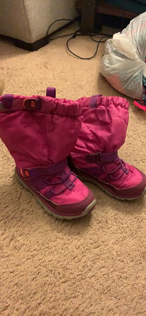 Girls size 10.5 stride rite snow boots for Sale in Byron Center, MI