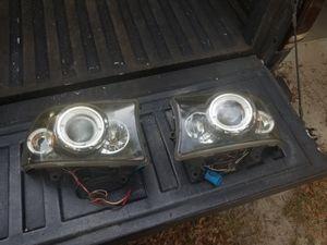 2001 Dodge dakota headlight for Sale in Mango, FL