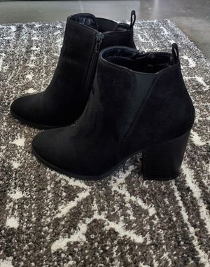 EXPRESS black boots (size 6) for Sale in Miami, FL