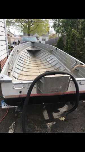 14ft boat need gone ASAP!! for Sale in East Haven, CT