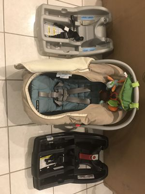 Graco car seat with 2 bases for Sale in Alexandria, VA