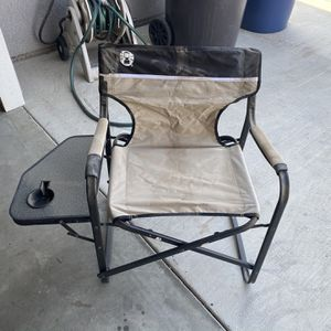 COLEMAN CHAIR WITH SIDE TABLE for Sale in Tulare, CA