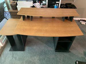 Desk for Sale in Yorktown, VA