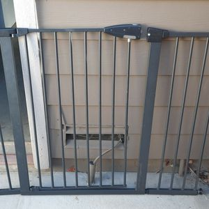 Baby Gate, Wide 4ft for Sale in Livermore, CA