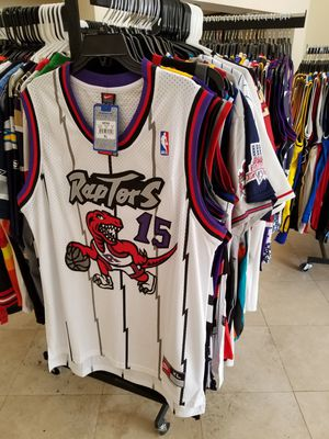 NBA MLB AND NFL THROWBACK JERSEYS. NEW AND VINTAGE. MULTIPLE SIZES ... 8840e3c67