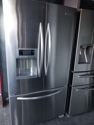 Kitchen Aid FRENCH DOOR STAINLESS STEEL for Sale in Santa Ana, CA