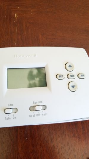 Used Honeywell thermostat for Sale in Chicago, IL