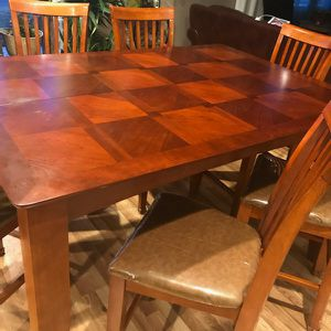 Wooden Kitchen Table Set for Sale in Rockdale, IL