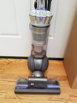 NEW cond Dyson Animal BIG BALL, AMAZING POWER suction, in the BOX, WORKS EXCELLENT, for Sale in Federal Way, WA