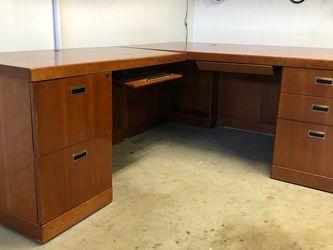 Beautiful, rich Wood Tone, Solid Wood Desk for Sale in Visalia,  CA