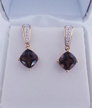 5 carat chocolate topaz & diamond earring /pendant set 14k yellow gold retail price $950 my price only $450! Local pickup or I SHIP through OfferUp for Sale in Comstock Park, MI