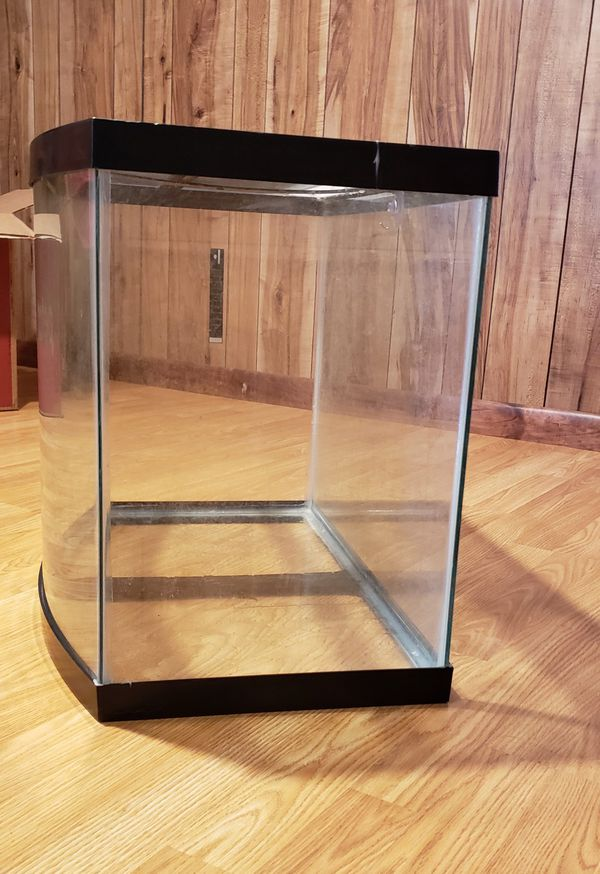 26 gallon bow-front aquarium